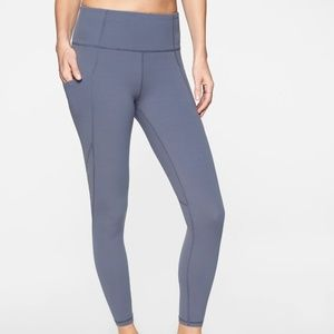 NWOT Athleta Blue Salutation Stash 7/8 Leggings